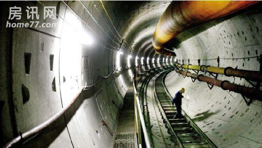 盾构机挖地铁隧道